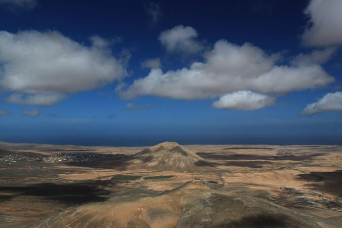 Montaña Tindaya from Morro Tabaiba