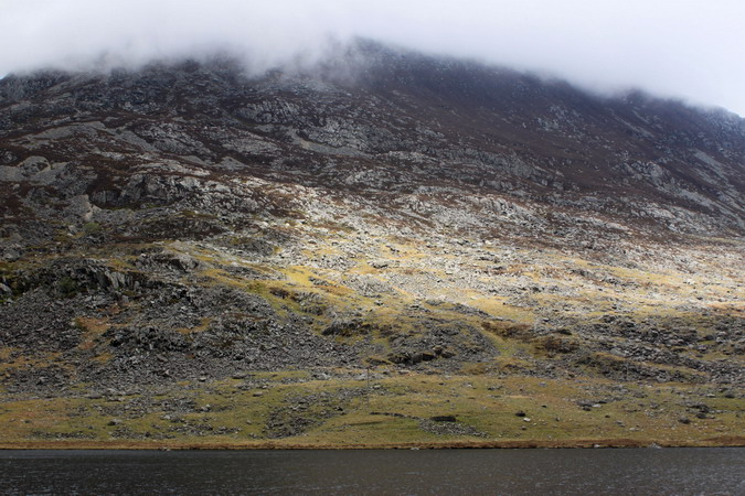 Pillbox (bottom, right of centre) at the foot of Pen yr Ole Wen