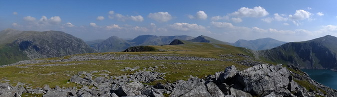 View of the Glyderau mountain range from the summit of Carnedd y Filiast, looking from the southeast (left) to the southwest (right)