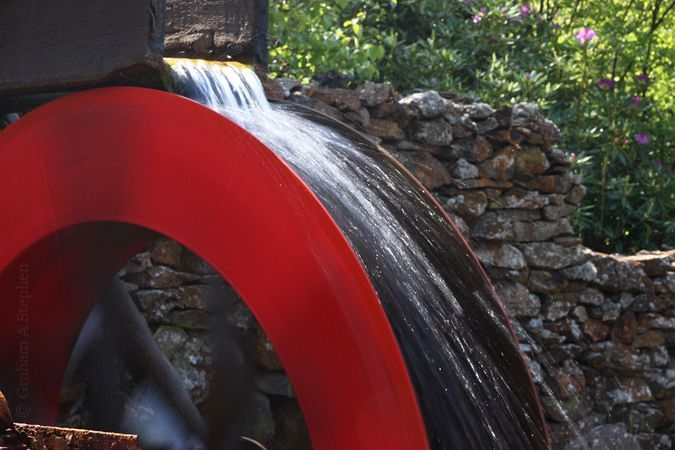 Half-scale water wheel