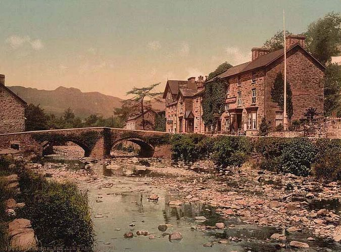 'Llewelyn Hotel, Beddgelert'.  Library of Congress collection of Views of landscape and architecture in Wales c. 1890-1900, photochrom prints (a lithographic process producing colourised images from black and white photographic negatives).