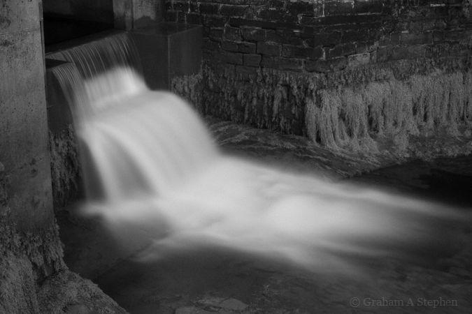 Weir, Afon Cegin