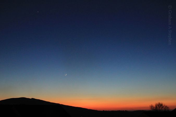 The Moon and Venus above Moel y Ci.  Viewed from Bethesda, 21 March 2015.
