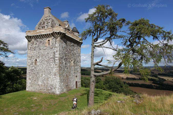 Fatlips Castle, Minto Craigs, August 2015