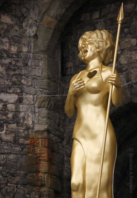 Statue of Shirley Bassey at Caernarfon Castle
