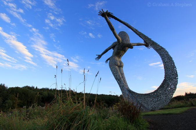 Arria.  The sculpture overlooks the M80 motorway from which it can be seen between junctions 5 and 6.